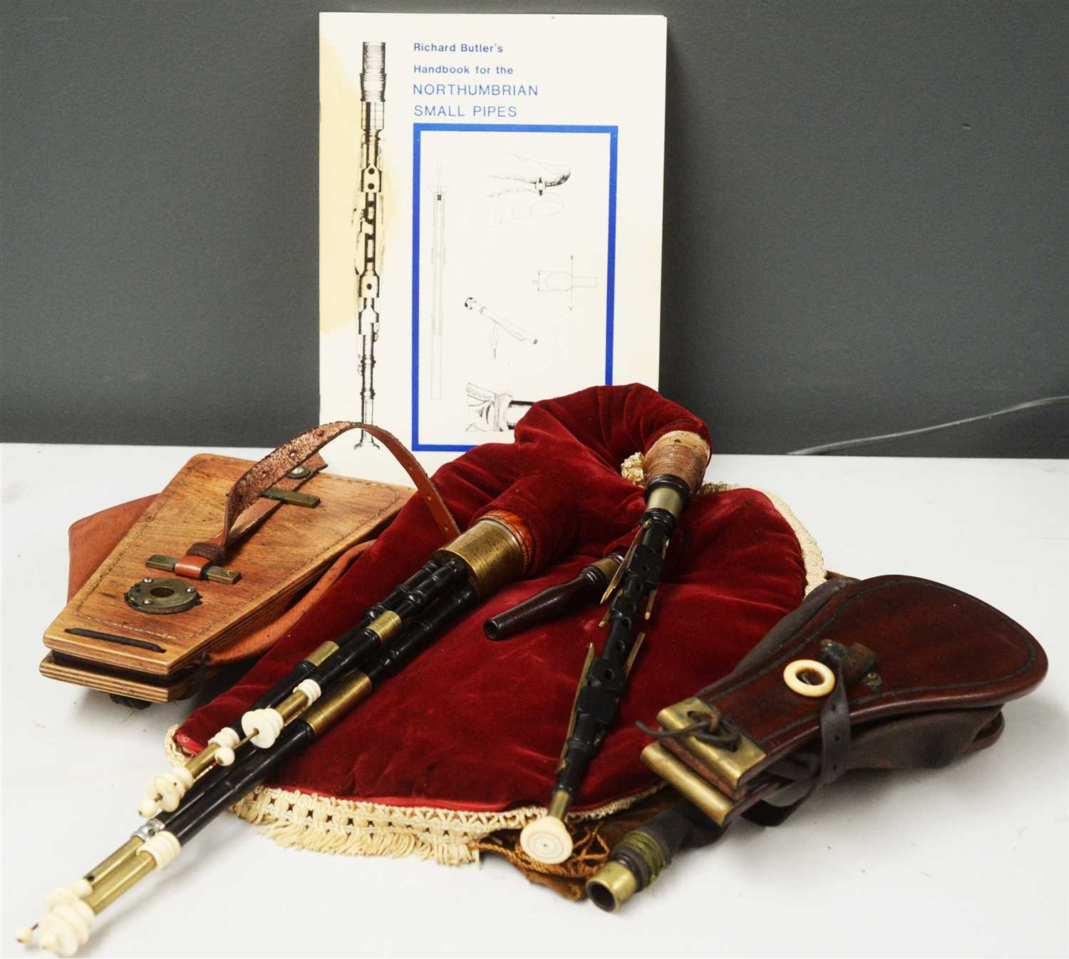 Lot 18 - Set of Northumbrian small pipes.