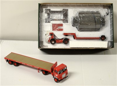 Lot 1270 - Limited edition die-cast model vehicle.