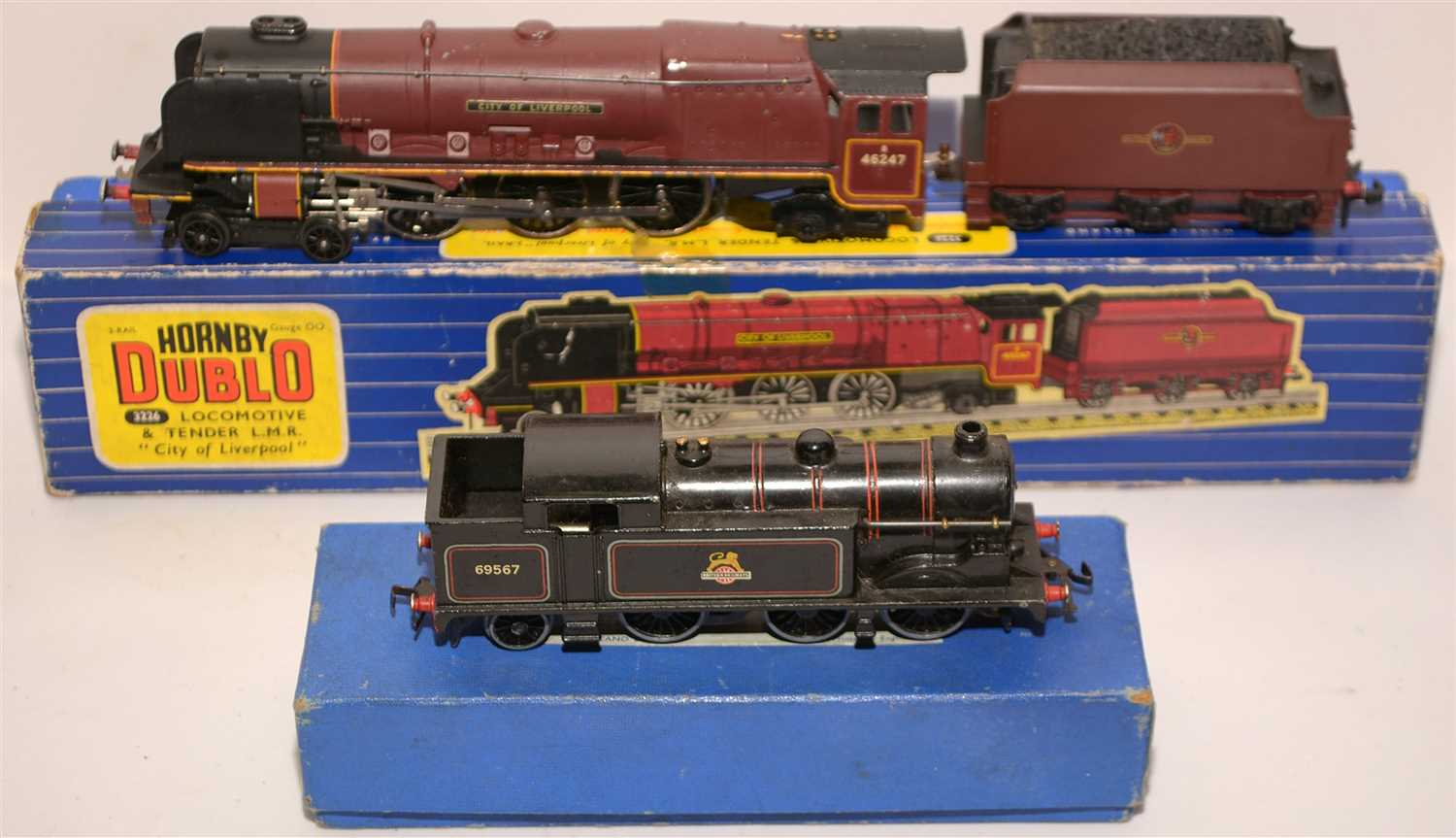 Lot 1398-Hornby Dublo locomotives and tender.