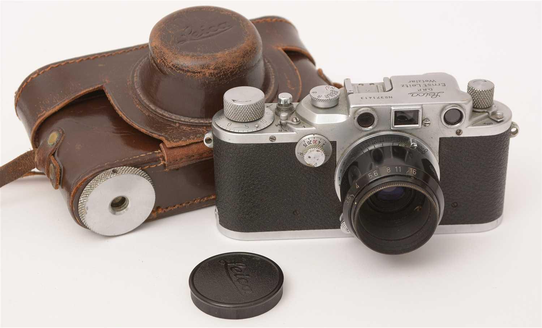 Lot 1433-A Leica IIIc 35mm rangefinder camera.