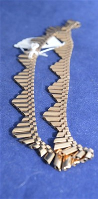 Lot 11-9ct yellow gold fringe necklace