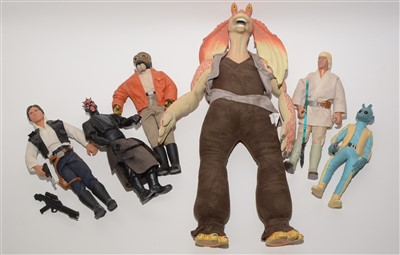 Lot 1216 - Star Wars large-scale collectors' figures.