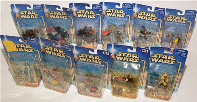 Lot 1221-Star Wars figurines.
