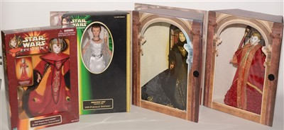 Lot 1231 - Large-scale Star Wars figurines.