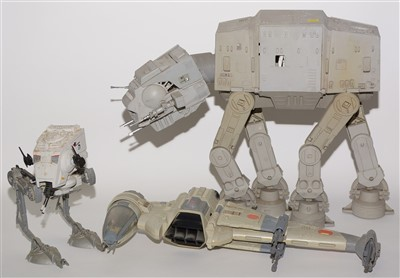 Lot 1234 - Star Wars walkers and other items.