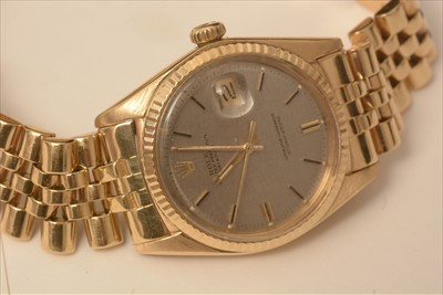 Lot 32-Rolex Datejust: 18ct yellow gold datejust