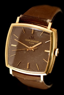 Lot 40 - Jaeger LeCoultre Club: An 18ct gold cased wristwatch