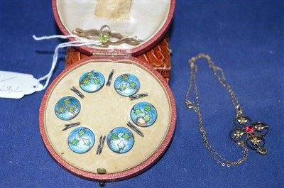 Lot 8-Jewellery and buttons
