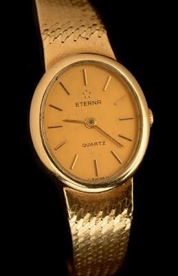 Lot 25 - Eterna: A lady's 9ct gold quartz wristwatch