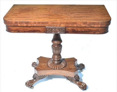 Lot 1231-Gillows, Lancaster: A fine quality 19th Century 'fiddle-back' mahogany tea table