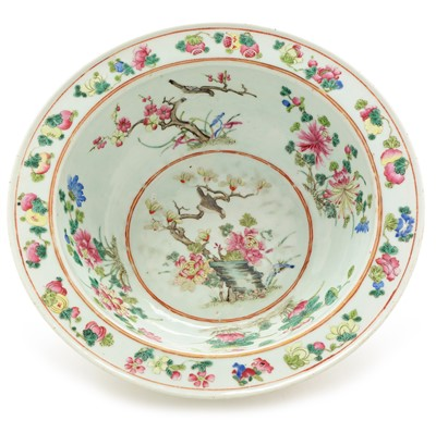 Lot 481-Chinese Famille Rose basin