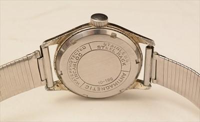 Lot 10-Six vintage wristwatches.