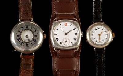 Lot 14-Two gent's and one lady's wristwatch.