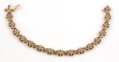 Lot 220-Diamond bracelet