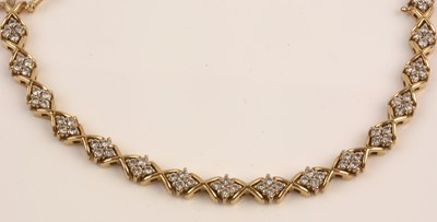 Lot 220 - Diamond bracelet