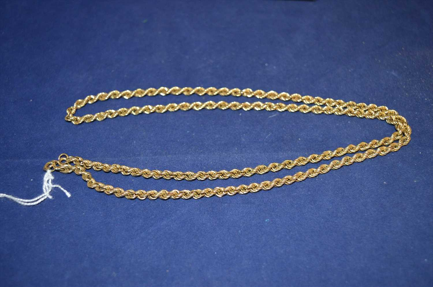 Lot 16-Gold necklace