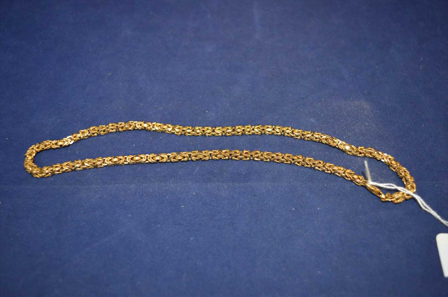 Lot 18-Gold necklace