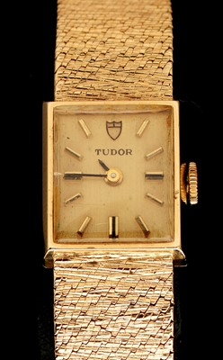 Lot 21 - 9ct gold Tudor cocktail watch