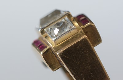 Lot 137 - Diamond and ruby Art Deco ring