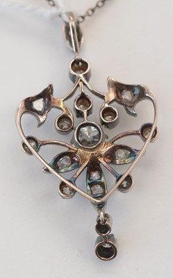 Lot 212 - Edwardian diamond pendant