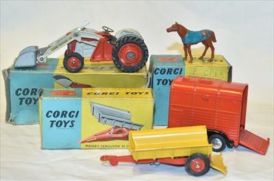 Lot 170 - Corgi farm items