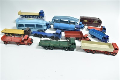 Lot 184 - Dinky wagons