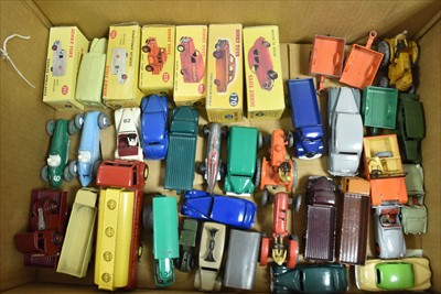 Lot 186 - Dinky vehicles