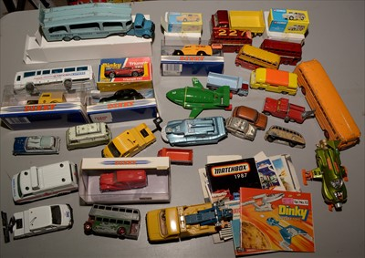 Lot 233 - Dinky vehicles