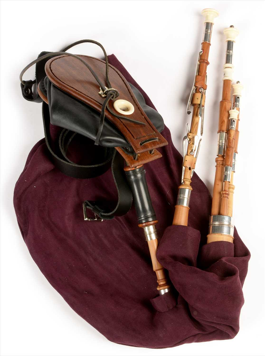 Lot 201 - Set of Northumbrian small pipes.
