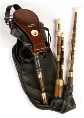 Lot 202 - Set of Northumbrian small pipes.