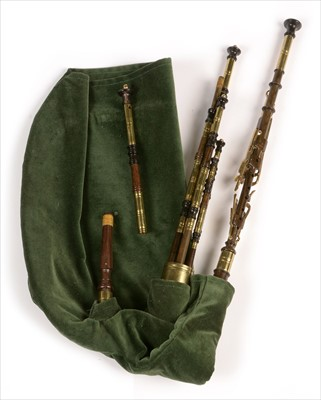 Lot 207 - Set of Northumbrian small pipes.