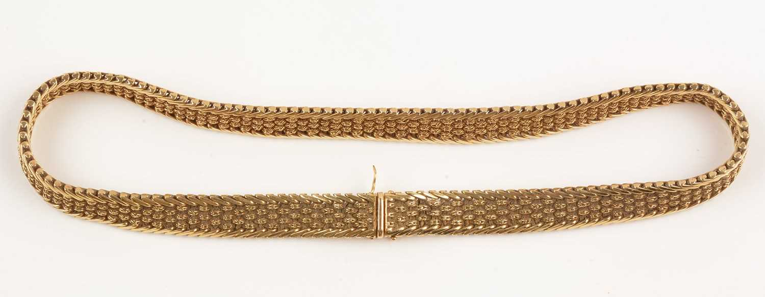 Lot 151 - 18ct yellow gold necklace