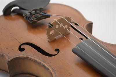Lot 118 - Violin.