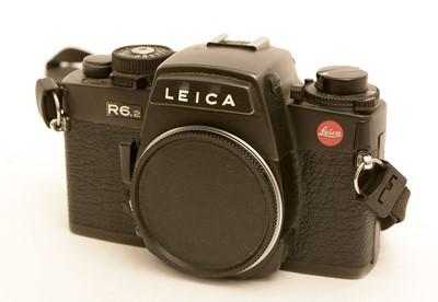 Lot 789-Leica R6.2 SLR camera.