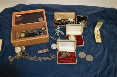 Lot 19-Costume and other jewellery