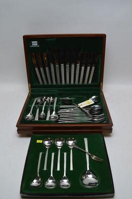 Lot 407 - Viners steel cutlery