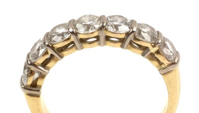Lot 92 - Seven stone diamond ring