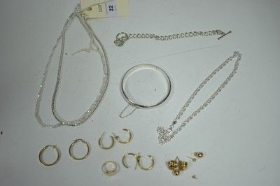 Lot 22-Silver and gold jewellery