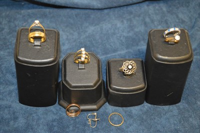 Lot 12-Rings various