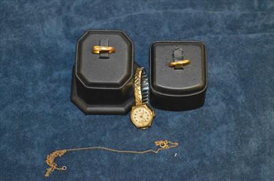 Lot 26-Gold jewellery
