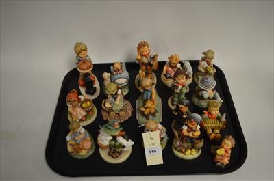 Lot 119 - Hummel figures