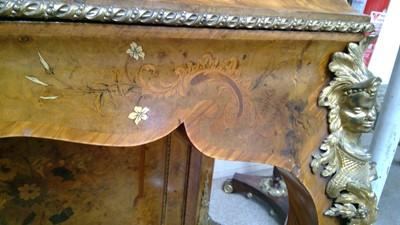 Lot 999 - An impressive late 19th Century burr walnut