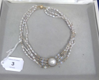 Lot 3-Tay pearl necklace