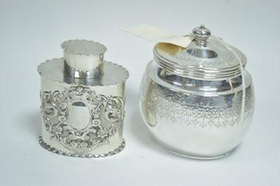 Lot 31-Two tea caddies