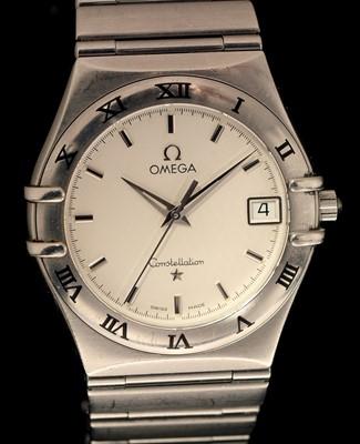 Lot 8 - Omega watch