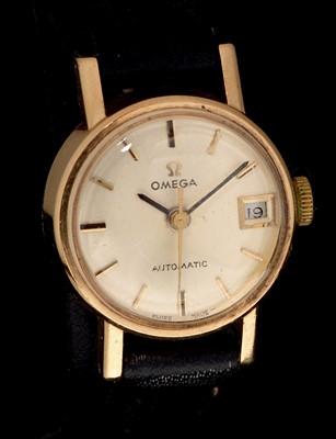 Lot 9 - Omega watch