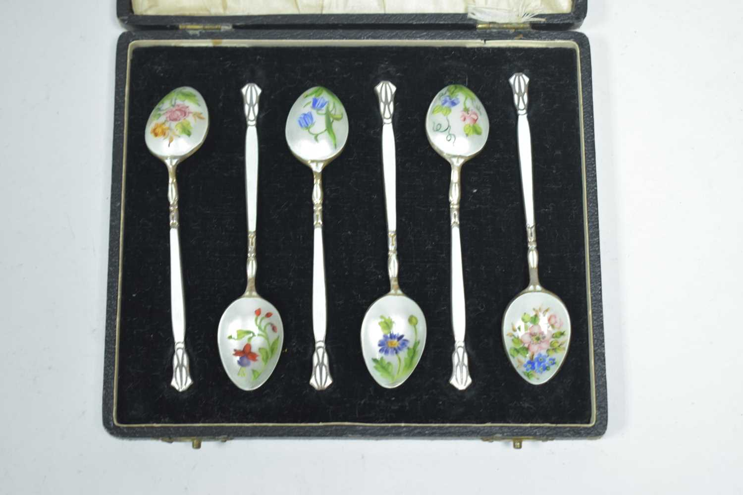 Lot 8-A cased set of silver coffee spoons