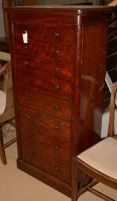 Lot 708 - 20th Century mahogany Wellington chest