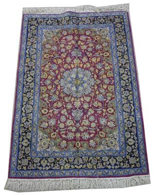 Lot 625 - Isfahan rug