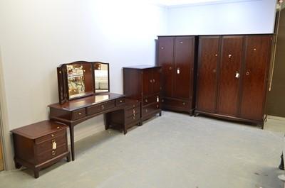 Lot 449A - Stag Minstrel bedroom Furniture